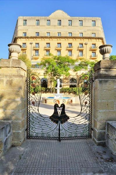 gate leading into rotunda phoenicia hotel malta