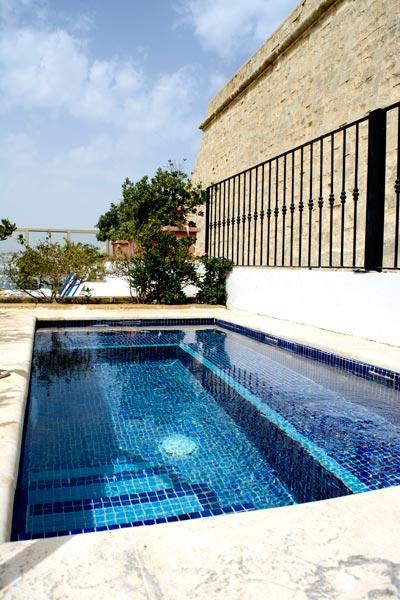 jacuzzi outdoor phoenicia hotel malta valletta