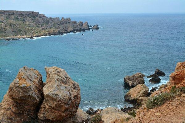 uitzicht wandeling naar ghajn tuffieha bay malta