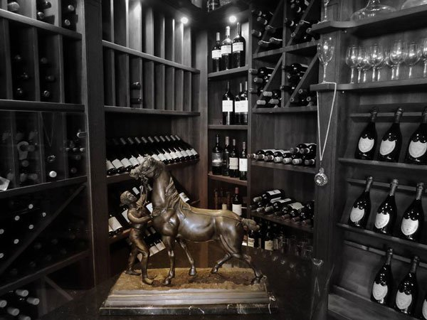 wine collection bottega del vino restaurant hilton malta hotel