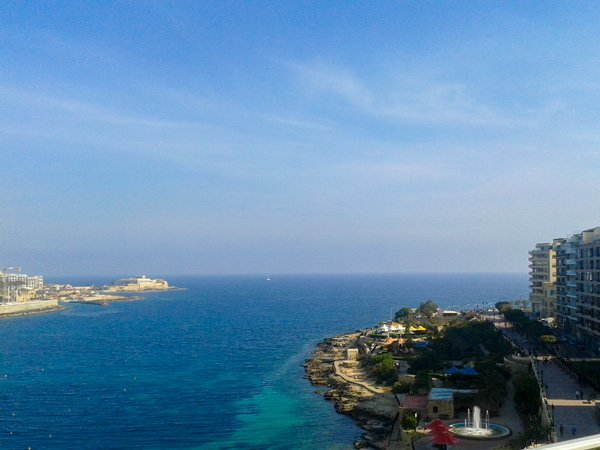 exiles bay sliema nabij malta st julians