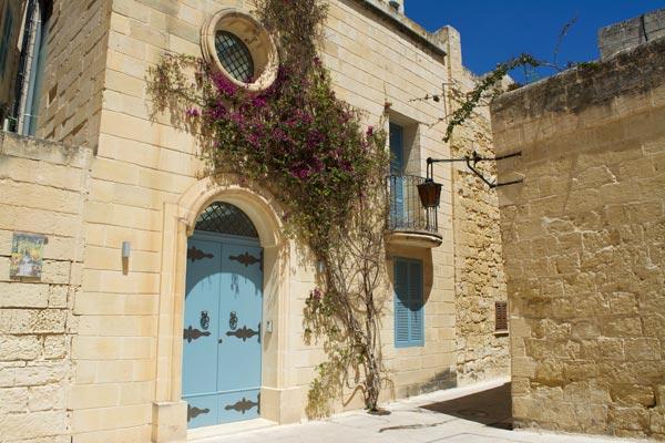 pittoreske woningen in romantisch straatbeeld mdina malta