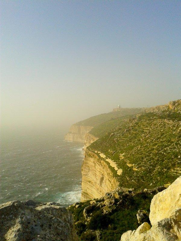 ruwe romantische uitzichten bij dingli cliffs malta